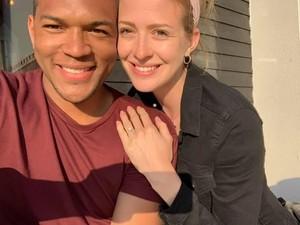 Kocaknya Pria yang Lamar Pacar Selama Sebulan Tanpa Disadari Sang Kekasih