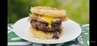 Di Tangan Niki dan Inga Lam, Indomie Dimasak Jadi Burger dan Cokelat