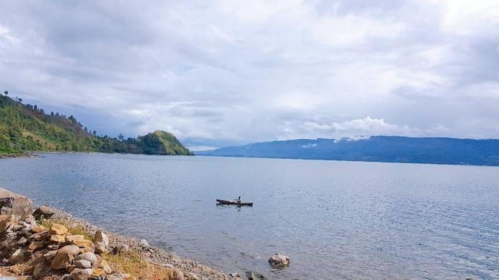 Ini Danau Vulkanik Terbesar Sedunia dari Indonesia
