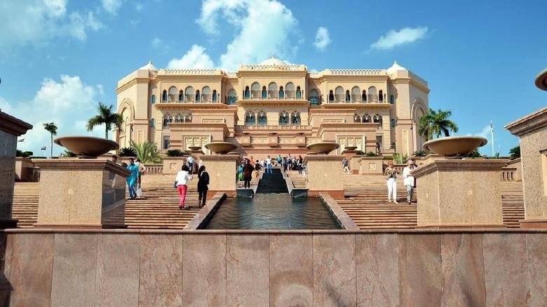 Emirates Palace Hotel, ikon wisata Abu Dhabi (iStock)