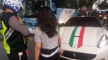 Pengemudi Ferrari Ngaku Tak Punya Tempat Pasang Nopol, Polisi: Alasan Saja