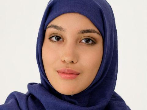 Model Berhijab Akan Eksis di Rusia untuk PertamakalinyaPertamakalinya di Rusia, sebuah merek fashion ternama menggunakan model hijab dalam iklan merek