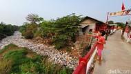 Warga di Sekitar Kali Jambe Bekasi Khawatir Kena DBD karena Banyak Nyamuk