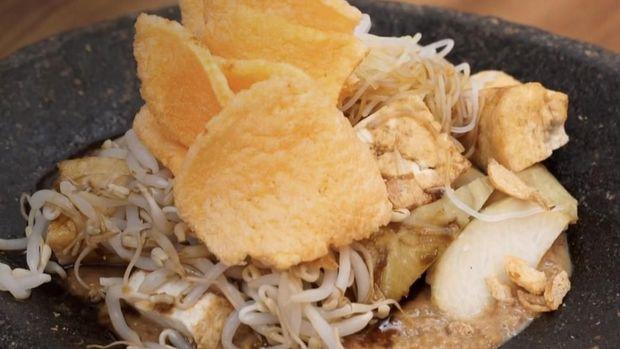 ketoprak , makanan khas jakarta