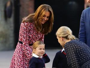 Kate Middleton Kalah Populer dari Model Seksi di Sekolah Pangeran George