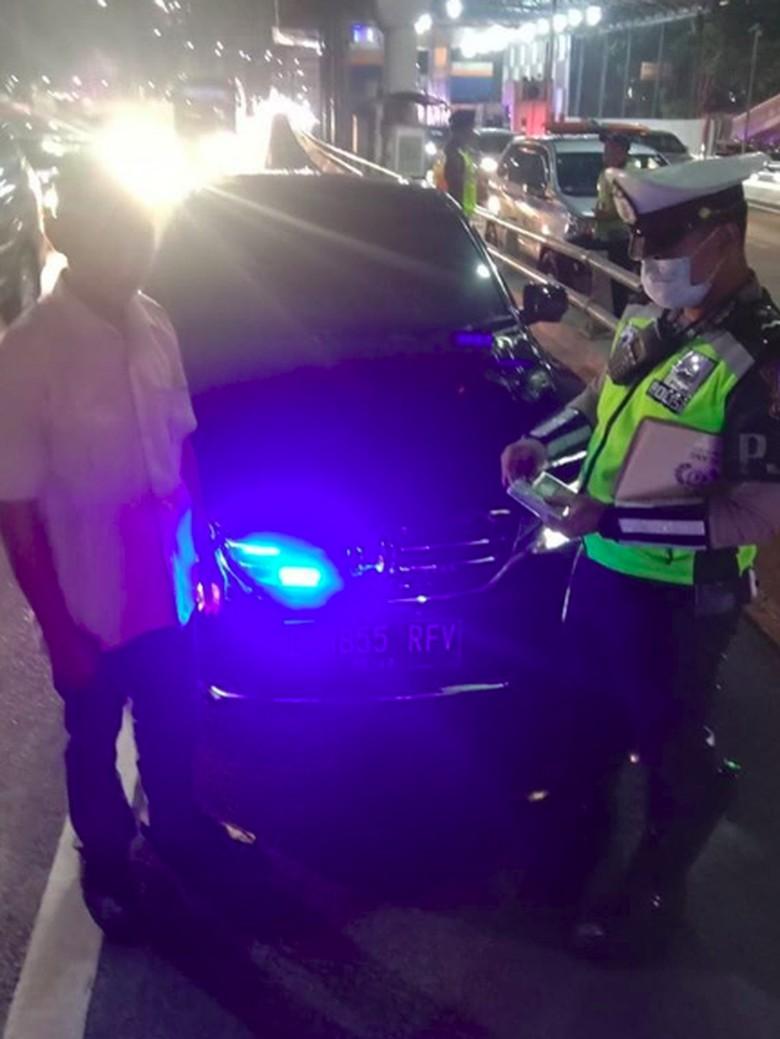 Polisi: Kendaraan Pelat Merah Tak Boleh Gunakan Strobo-Sirine