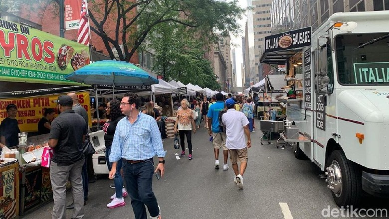 Dirujuk Anies, Begini Rasio Trotoar dan Kios PKL di New York