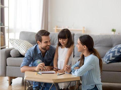 ilustrasi orang tua dan anak