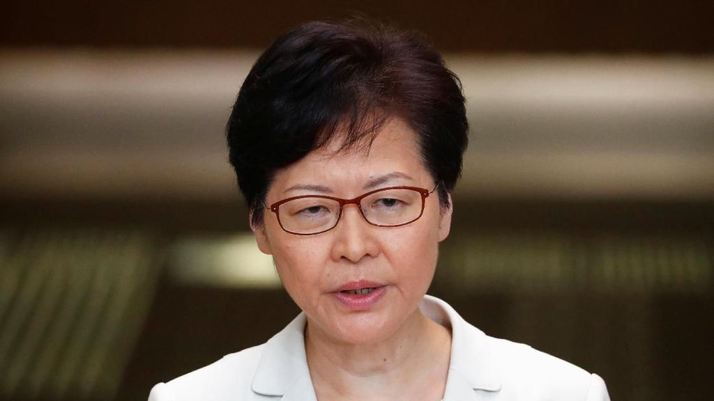 Pemerintah China Berencana Copot Pemimpin Hong Kong Carrie Lam