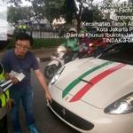 Tak Pakai Pelat Nomor Depan, Ferrari Disemprit Polisi