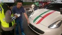 Tak Pasang Pelat Nomor, Mobil Ferrari Terjaring Operasi Patuh Jaya