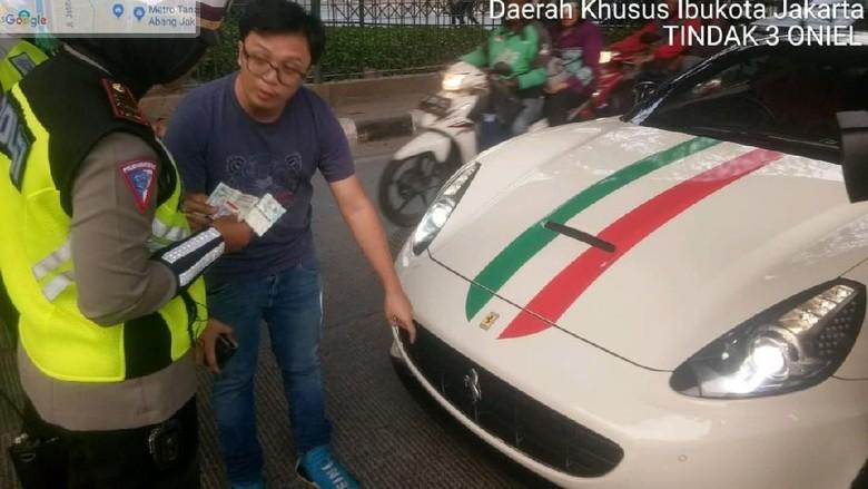 Ferrari yang Ditilang Polisi Terdaftar atas Nama Perusahaan