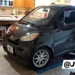 Takut Terkena Badai, Mobilnya Parkir di Dapur Aja Deh