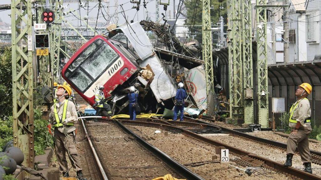 Kereta Tabrak Truk di Jepang, 1 Orang Tewas dan 35 Luka-luka