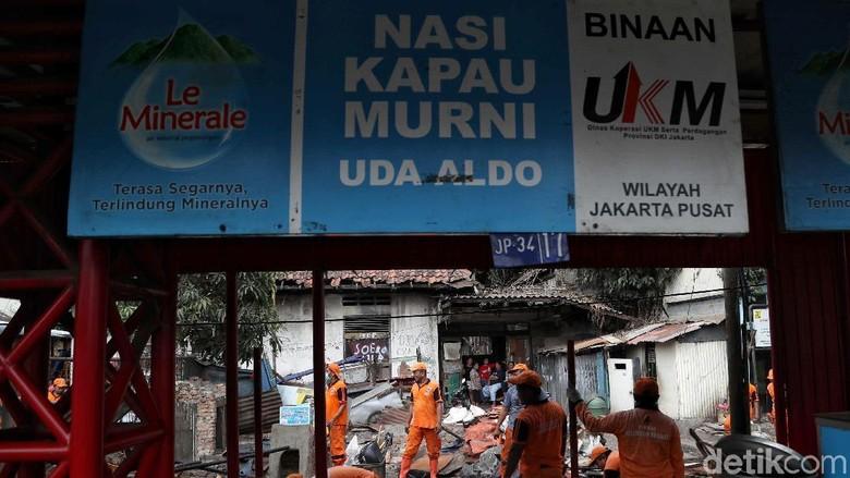 Kata Pedagang Nasi Kapau di Kramat yang Direlokasi demi Pelebaran Trotoar