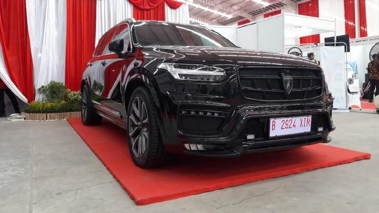 Mobil SUV yang juga diperlihatkan di pabrik Esemka Foto: Ragil Ajiyanto