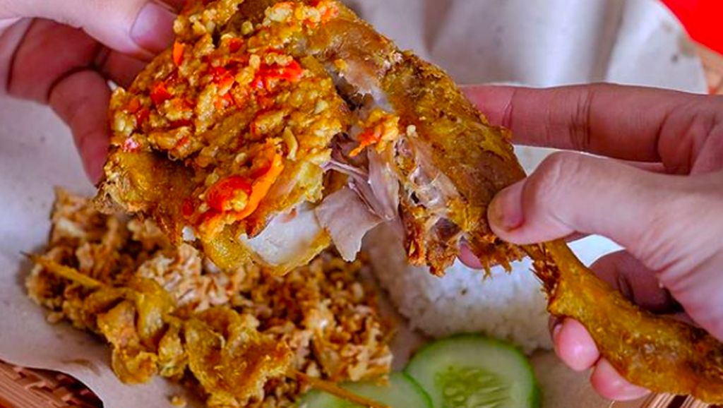 5 Artis Ini Juga Punya Restoran Dengan Makanan Super Pedas