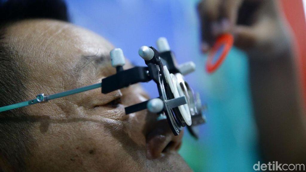 Benarkah Kacamata Anti Radiasi Bisa Melindungi Mata dari Kerusakan?