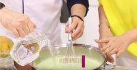 Inul Daratista dan Chef Eddrian Tjhia Bagikan Resep Puding Lumut Pepaya
