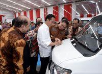 Esemka di tanda tangani Joko Widodo