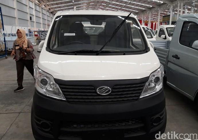 Ini adalah wujud mobil pertama Esemka untuk pasar Indonesia. Mobil pick-up ini disapa Esemka Bima. Foto: Ragil Ajiyanto