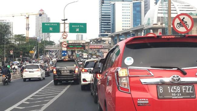 Esemka Lahir, Mobil Pribadi Pakai Strobo Jangan Dikasih Jalan!