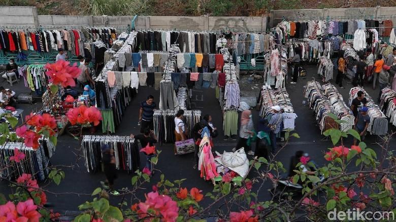 PKL Baju Bekas di Jalan Pasar Senen Direlokasi 1 Desember