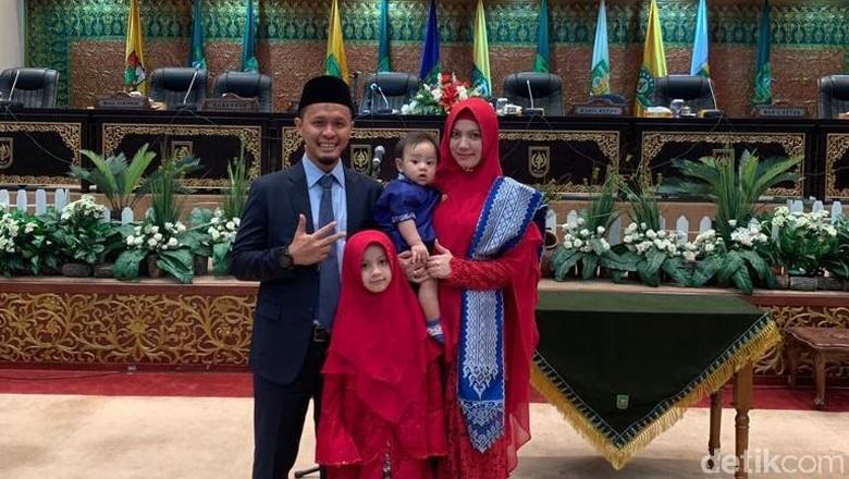 Pasutri Ini Dilantik Jadi Anggota DPRD Riau