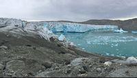 Warning! Es di Greenland Semakin Tipis