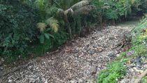 Sampah Masih Menumpuk di Kalibaru Cibinong, Camat: Kami Tak Punya Alat