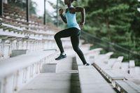 Naik turun tangga, olahraga yang sederhana.