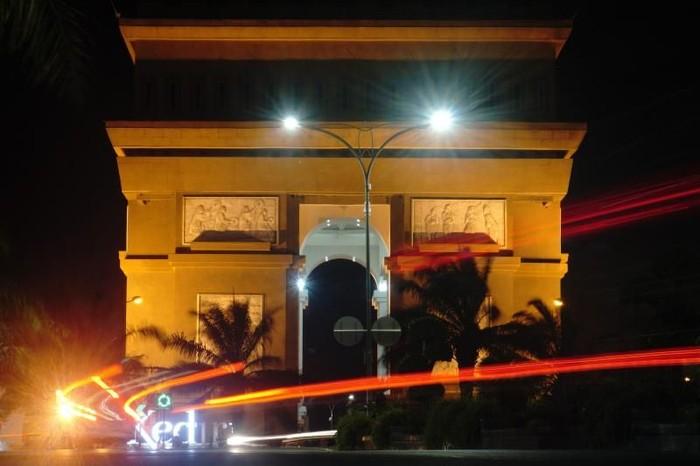 Simpang Lima Gumul Kediri