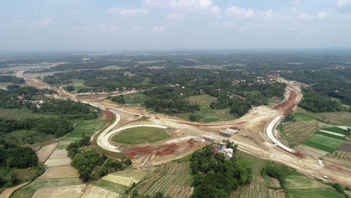Menurut data PT Wijaya Karya Tbk, proyek tol Serang-Panimbang sedang digarap. Targetnya salah satu seksi rampung pada 2020 nanti. Pool/Wijaya Karya.