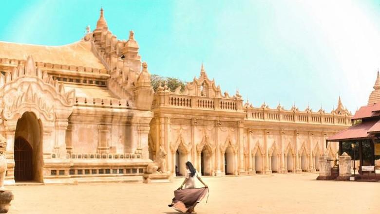 Ilustrasi Wisatawan di Myanmar