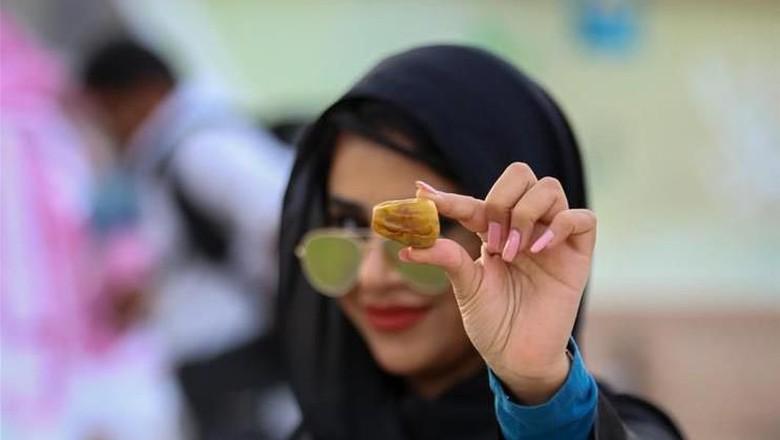 Pasar kurma musiman di kota Buraydah, utara Riyadh, Arab Saudi menjadi salah satu pasar kurma terbesar di dunia. Seperti apa penampakannya?