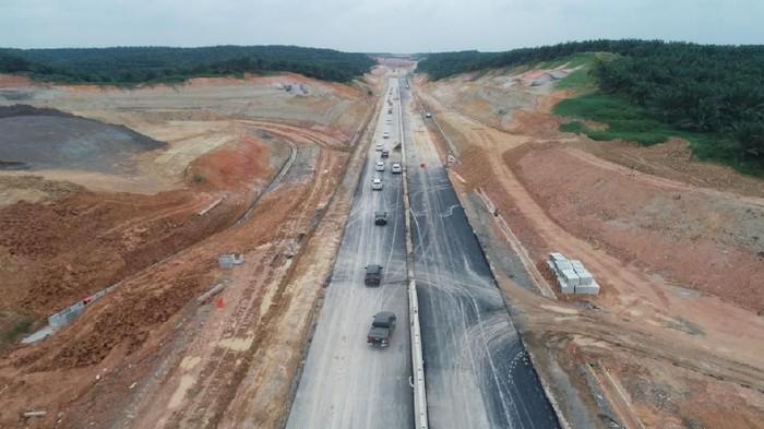 Proyek Tol Trans Sumatera ruas Pekanbaru-Dumai 131 Km sedang dikebut. Targetnya  dua seksi dari ruas tersebut rampung dan beroperasi akhir 2019 Ini.