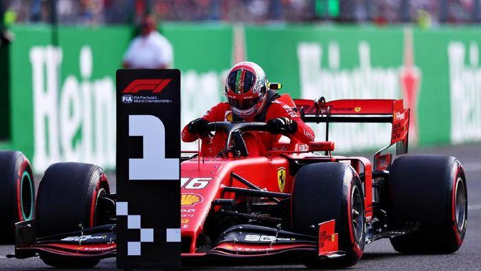 Charles Leclerc merebut pole position GP Italia. Foto: Dan Istitene / Getty Images