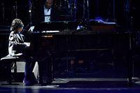 Joey Alexander, pianis cilik jazz dari Indonesia, unjuk kebolehan di panggung Grammy Awards.