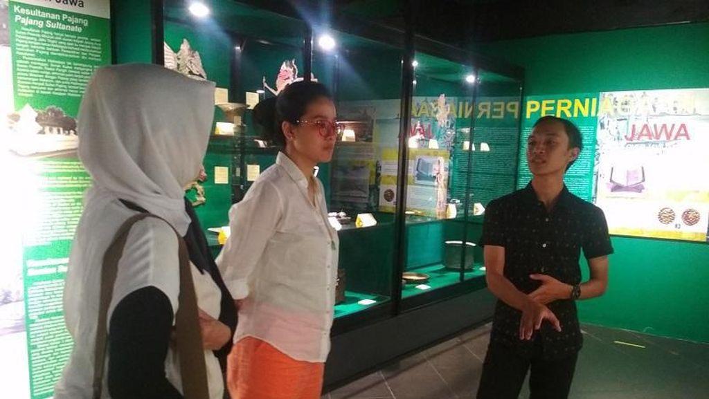 Liburan Marcella Zalianty ke Museum History of Java di Bantul