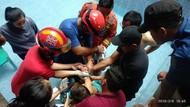 Tangan Balita Terjepit Lubang Saluran Air, 11 Petugas Damkar Depok Dikerahkan