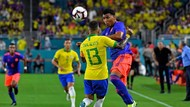 Dani Alves: Brasil Mestinya Bisa Kalahkan Kolombia