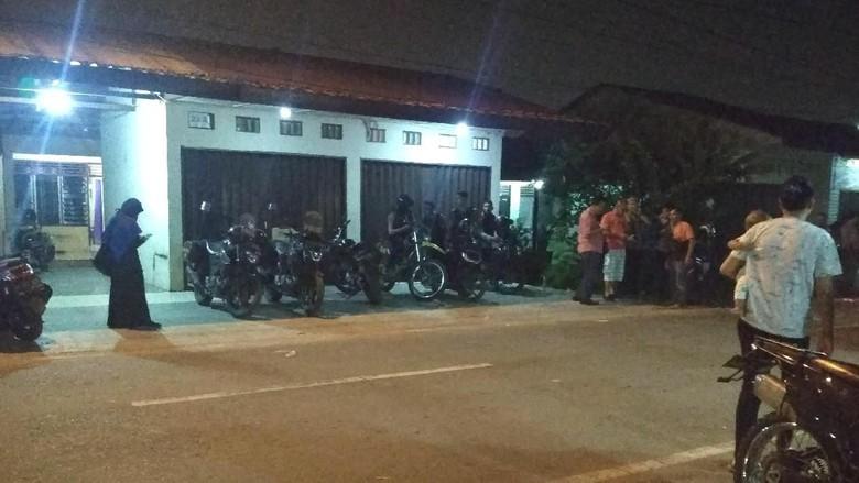 Polisi Berjaga di Lokasi Bentrok Ormas Kepemudaan di Medan