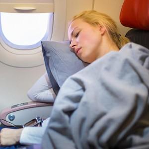 4 Cara untuk Menghindari Sakit Kepala Saat Naik Pesawat