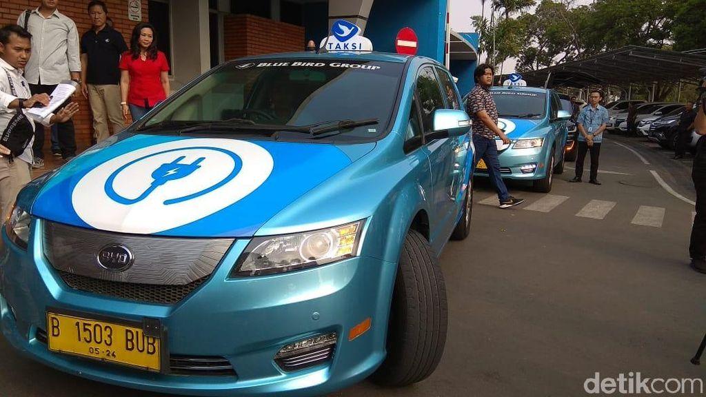 Jajal Taksi Listrik dari Soetta ke Senayan, Menhub: Tak Ada Noise