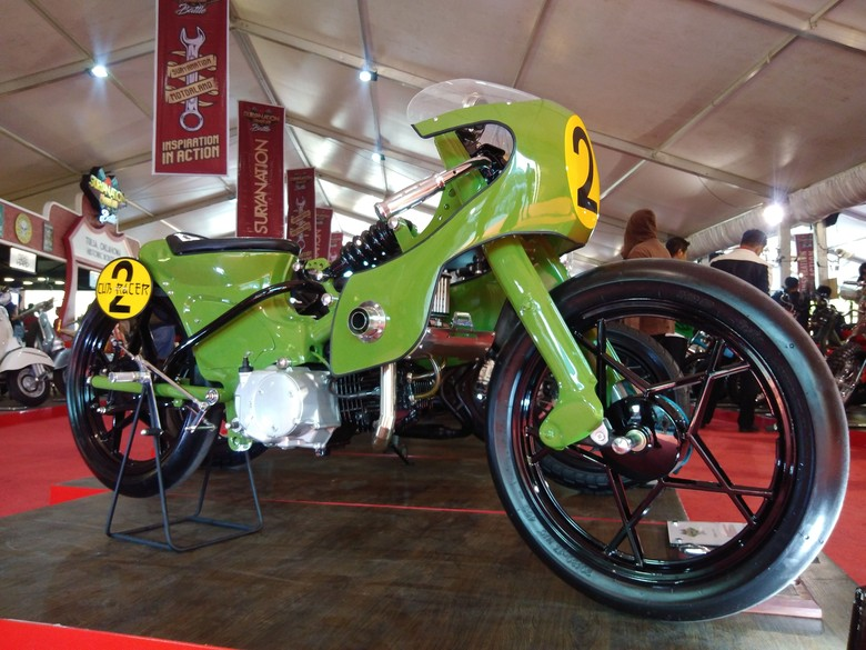 Honda Astrea berkelir hijau terinspirasi dari kulkas. Foto: Hermawan Mappiwali
