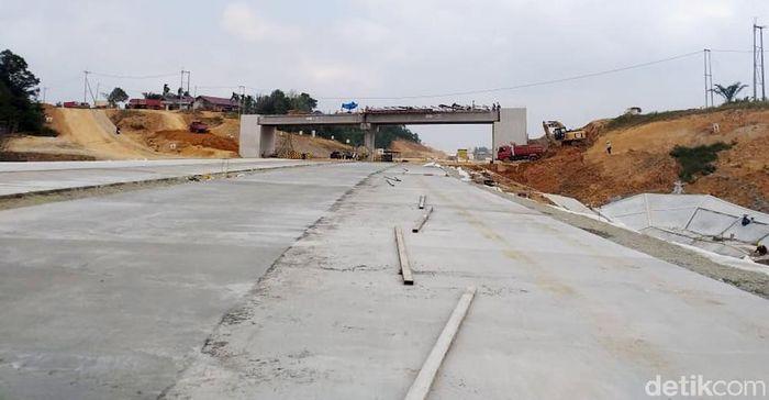 Dari data Jasa Marga panjang total jalan tol ini mencapai 99,350 km. Dengan ruas VGF seksi 1 dan seksi 5 33,115 km. Sementara untuk ruas investasi seksi 2, 3 dan 4 66,235 km.