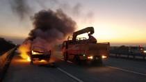Korsleting Mesin, Pikap Muat Sofa Terbakar di Tol Jombang