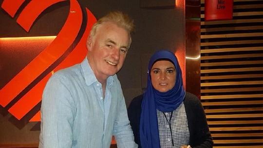 Penampilan Perdana Sinead OConnor dengan Hijab di Acara Televisi