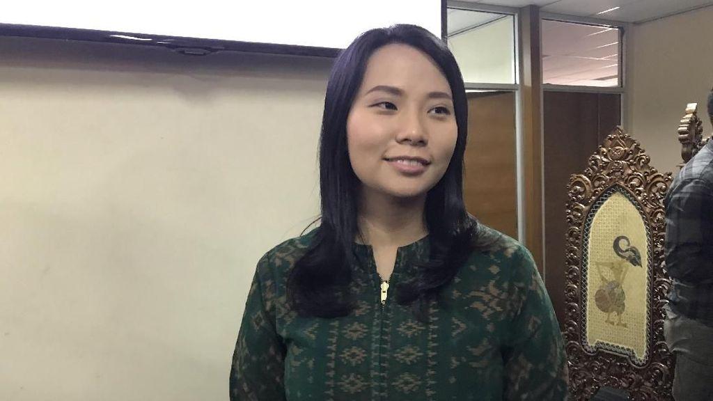 Merasa Karakternya Dibunuh, Livi Zheng Mengadu ke Dewan Pers