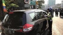 Perluasan Ganjil-Genap, Sejumlah Kendaraan di Tomang Kena Tilang